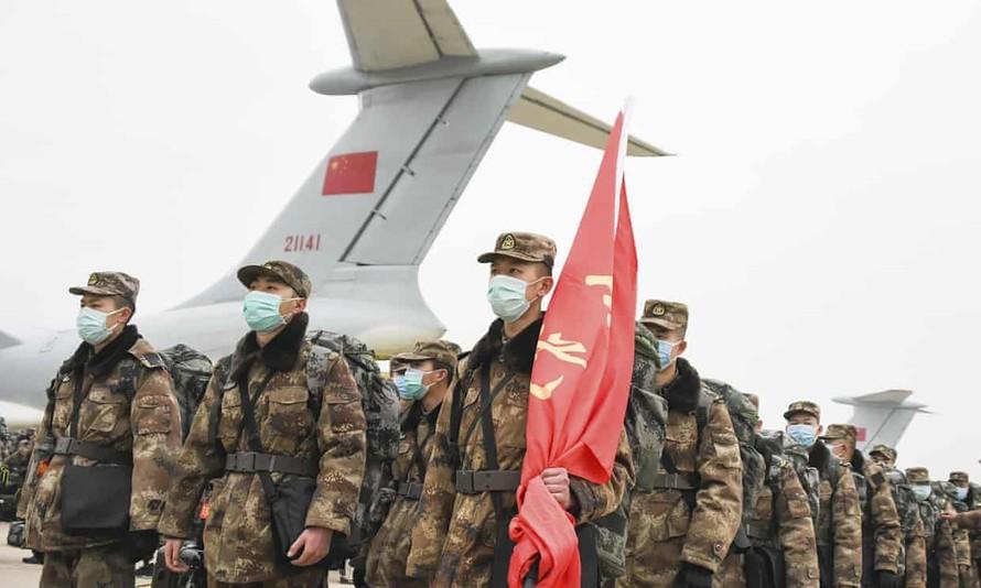 Trung Quốc cử 1.400 bác sĩ quân y tới bệnh viện Vũ Hán