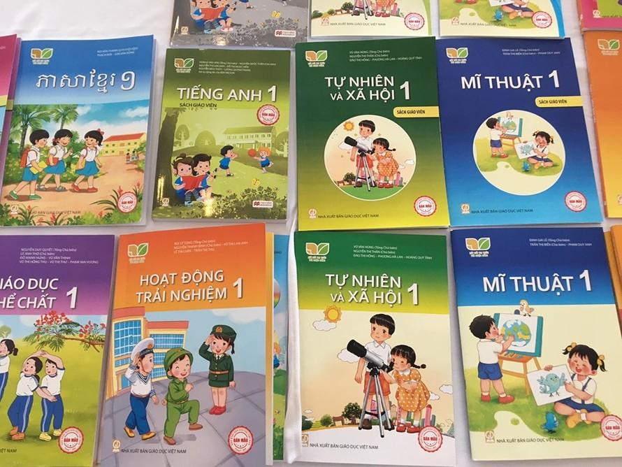 Sách giáo khoa của Nhà xuất bản Giáo dục Việt Nam được thiết kế theo chương trình giáo dục phổ thông mới.