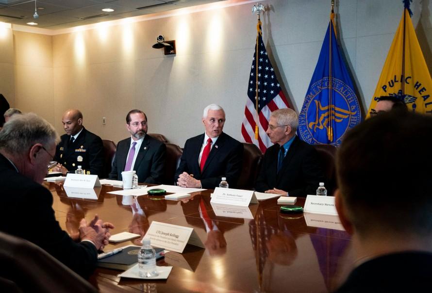 Phó Tổng thống Mỹ kiểm soát các thông tin liên quan tới dịch Covid-19