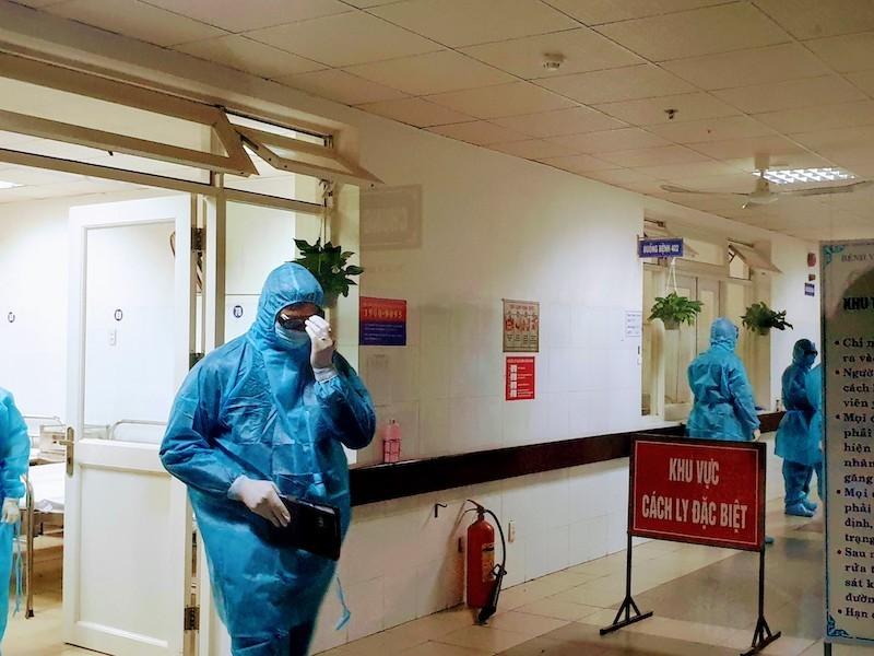 Ba bệnh nhân tại Đà Nẵng xuất viện trong sáng nay