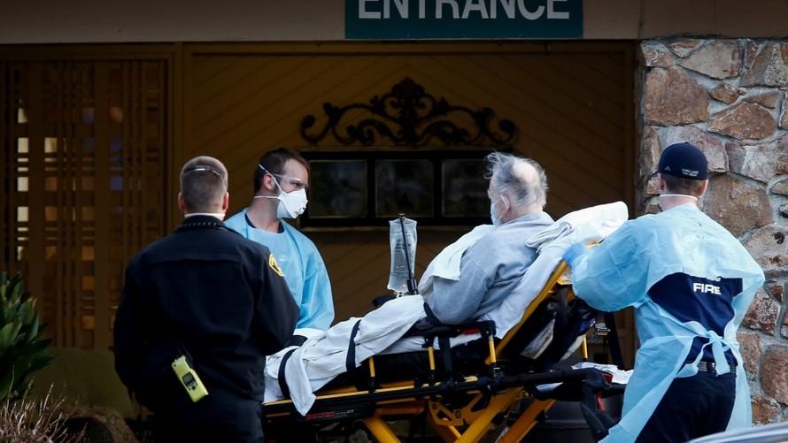 Bệnh nhân 101 tuổi xuất viện sau khi mắc Covid-19