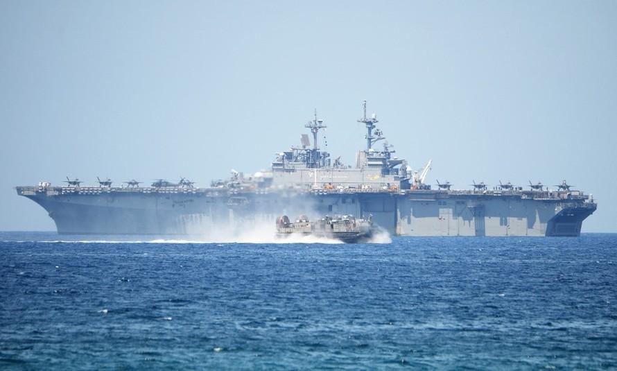 Tàu chiến Mỹ và Australia tập trận gần tàu Haiyang Dizhi 8 của Trung Quốc