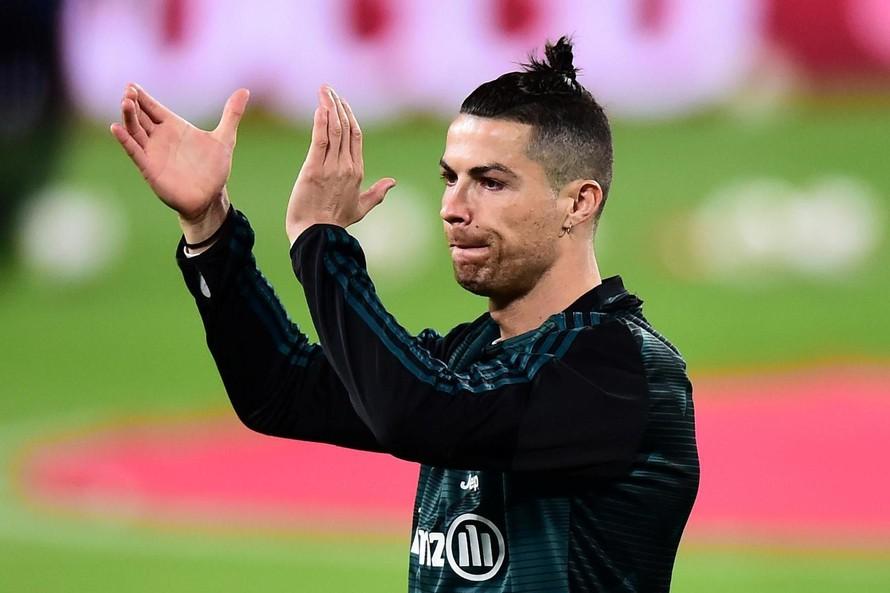 Ronaldo trở lại Ý hội quân cùng Juventus