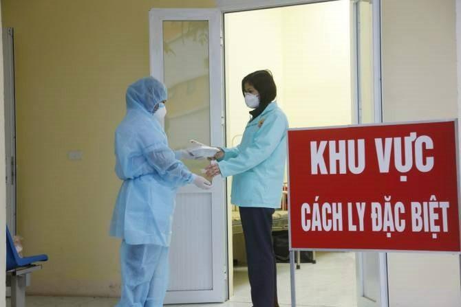 Thêm 4 ca nhập cảnh từ Hàn Quốc và Nga mắc COVID-19