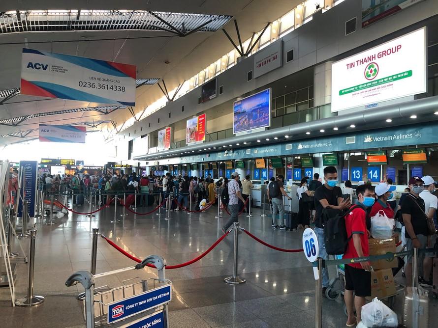 Mọi hoạt động tại sân bay quốc tế Đà Nẵng vẫn diễn ra bình thường, Ảnh: CAĐN