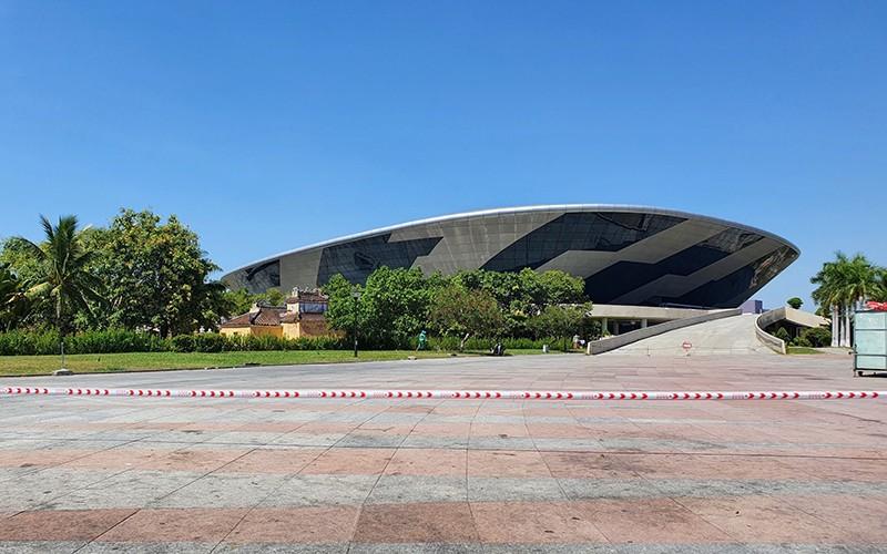 Bệnh viện dã chiến Đà Nẵng được xây dựng tại cung thể thao Tiên Sơn. Ảnh: Nhân Dân