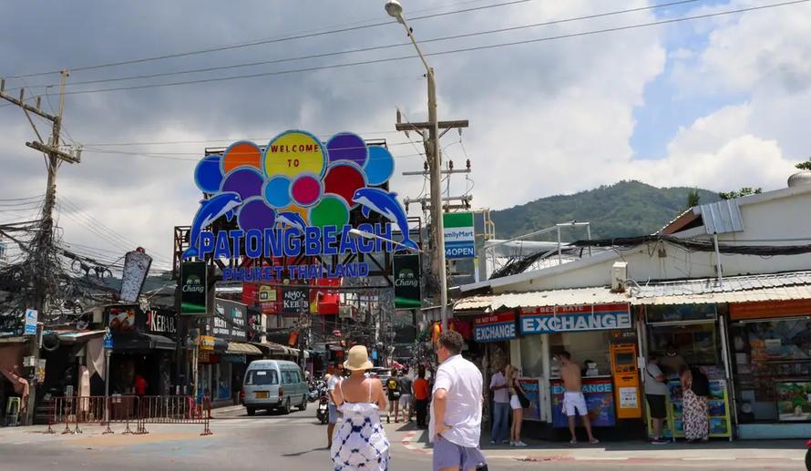 Thái Lan thí điểm Phuket làm nơi đón khách quốc tế