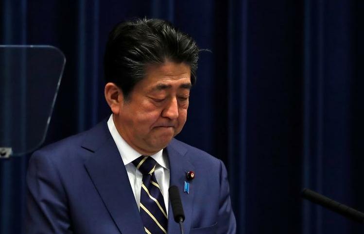 Thủ tướng liên tục nhập viện, chính trường Nhật Bản chia làm 2 lối