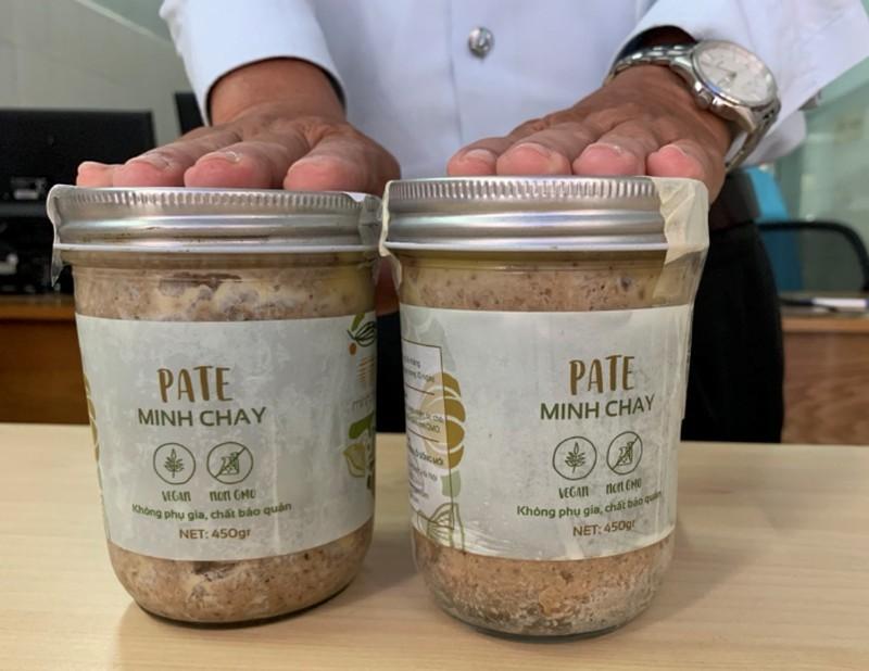 Nữ bệnh nhân ăn pate Minh Chay phải thở máy, thay huyết tương
