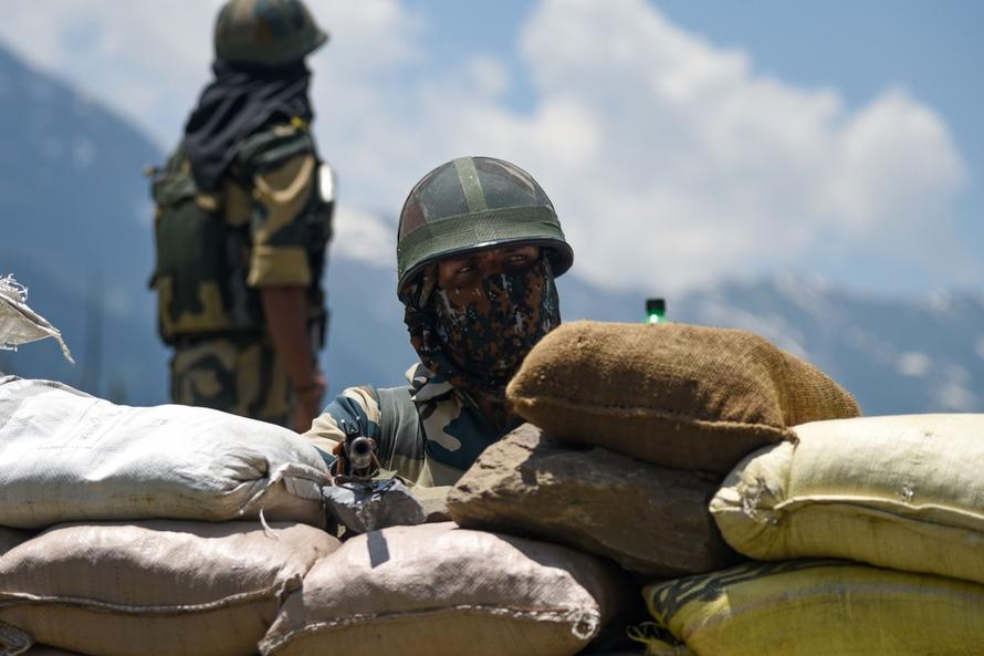 Trung Quốc cáo buộc Ấn Độ nổ súng tại vùng tranh chấp