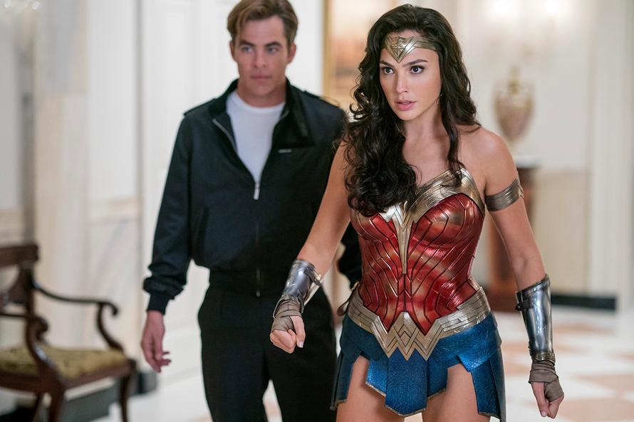 'Wonder Woman 1984' lùi ngày phát hành tới Giáng sinh