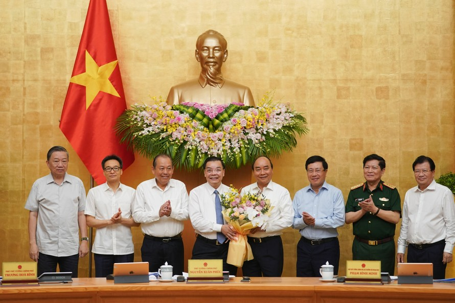 Thủ tướng chúc mừng Bộ trưởng Chu Ngọc Anh nhận nhiệm vụ mới