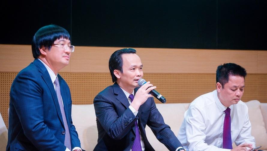 Theo thứ tự từ trái qua - Ông Phạm Đình Đoà ... g Trịnh Văn Quyết, Ông Nguyễn Đức Hưởng.
