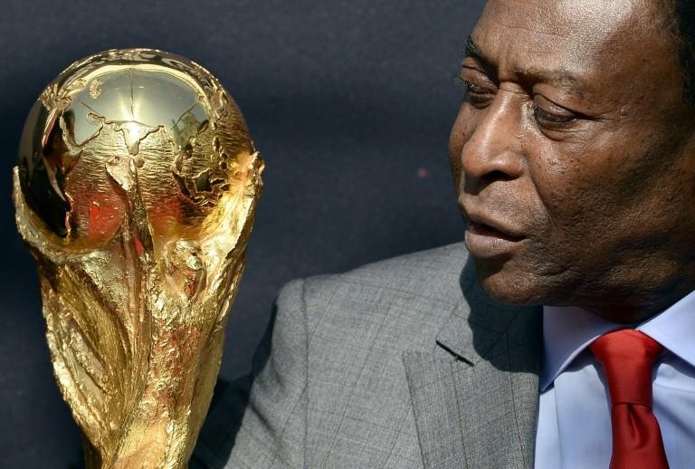 Huyền thoại Pele bước sang tuổi 80