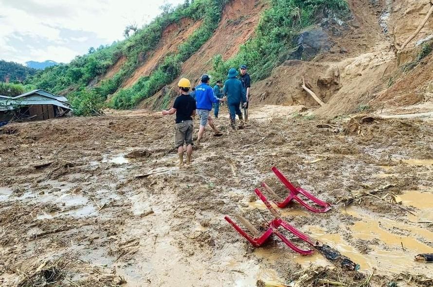 Sạt lở tại Phước Sơn: Sẽ đưa máy bay tiếp cận hiện trường