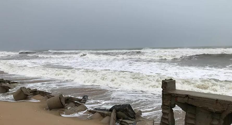 Các tỉnh miền Trung khẩn trương chống bão số 13