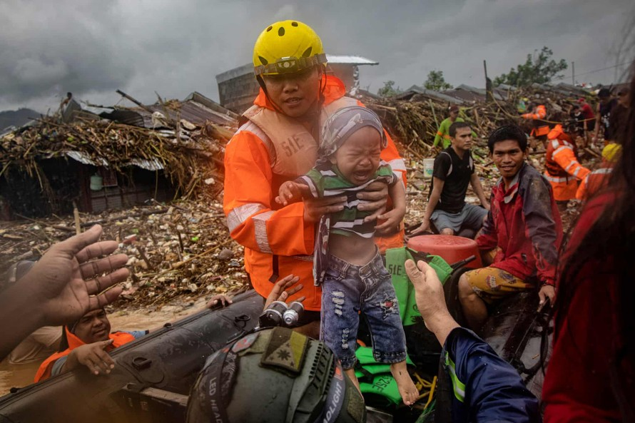 Bão Vamco gây lũ lụt lịch sử tại Philippines