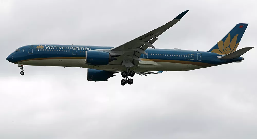 Duy trì các chuyến bay đưa công dân và chuyên gia nước ngoài về Việt Nam