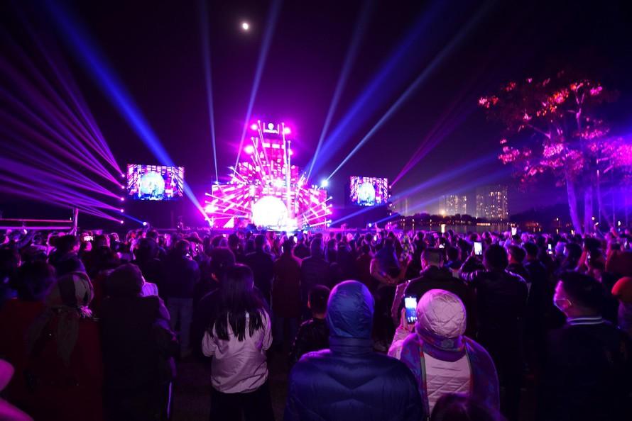 Gần 20.000 cư dân Ecopark mãn nhãn cùng đại tiệc countdown hoành tráng