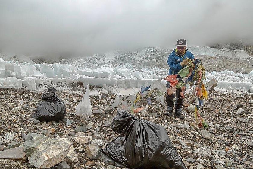 Biến rác trên đỉnh Everest thành tác phẩm nghệ thuật