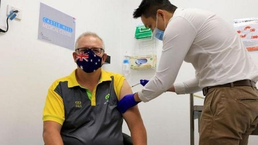 Australia bắt đầu tiêm chủng vaccine COVID-19 hàng loạt