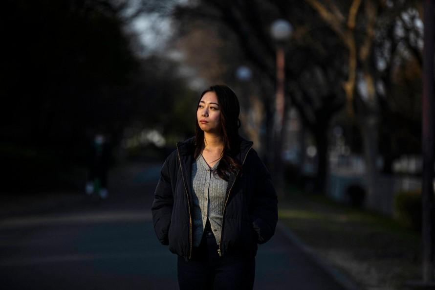 Hashimoto Nazuna từng thoát chết sau khi tự sát và hiện muốn giúp đỡ những phụ nữ bị trầm cảm do dịch bệnh. Ảnh: NY Times