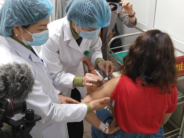 9 nhóm đối tượng được ưu tiên tiêm và miễn phí vaccine COVID-19