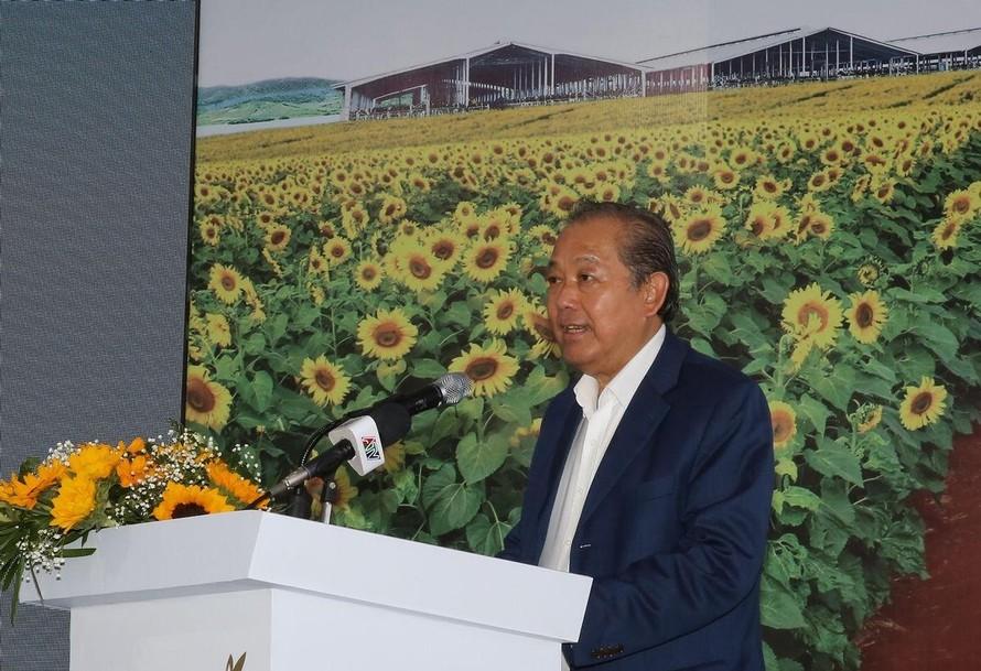 Phó Thủ tướng thường trực Trương Hòa Bình phát biểu tại sự kiện khởi công Dự án sữa TH tại An Giang.