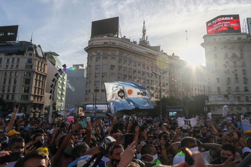 Người Argentina tuần hành đòi công lý cho Maradona