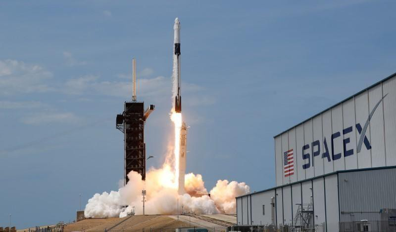 Kỹ sư SpaceX rao bán thông tin nội bộ trên mạng
