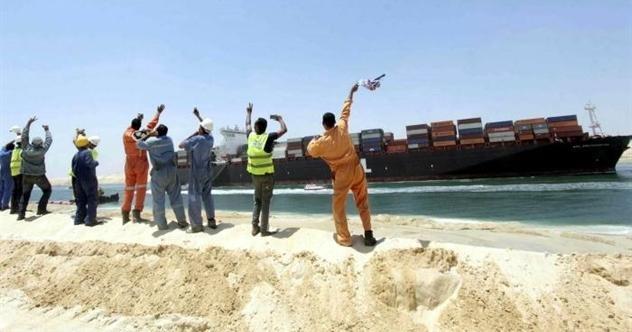 Kênh đào Suez hoạt động trở lại