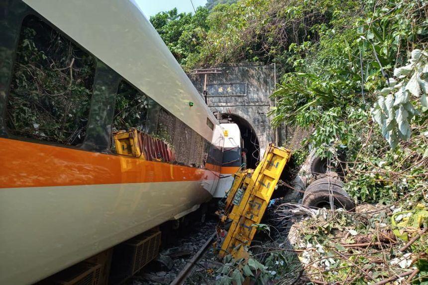 Thảm kịch đường sắt Đài Loan khiến 48 người chết