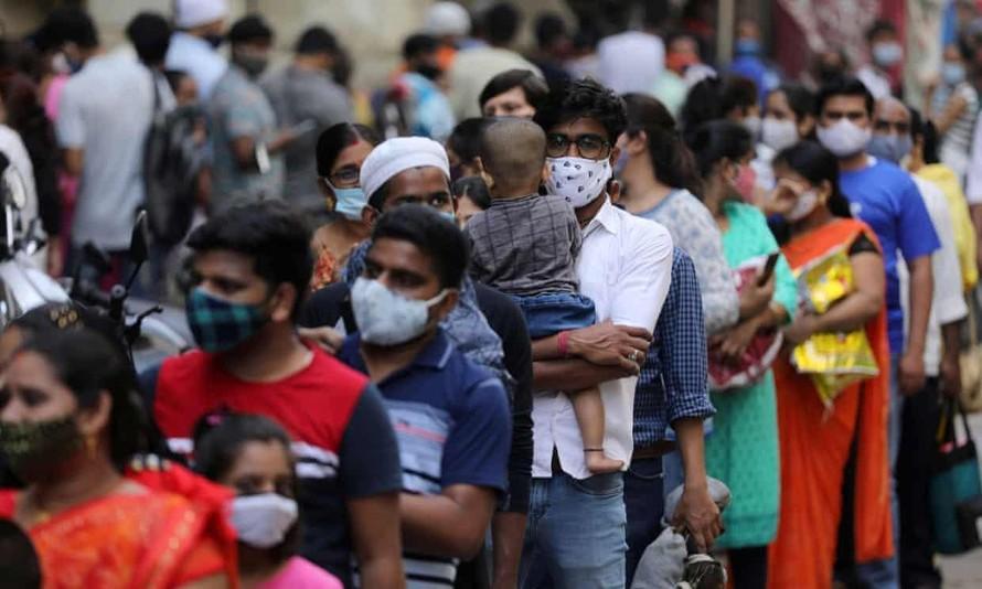 Ấn Độ ghi nhận hơn 100.000 ca mắc COVID-19 trong 24 giờ