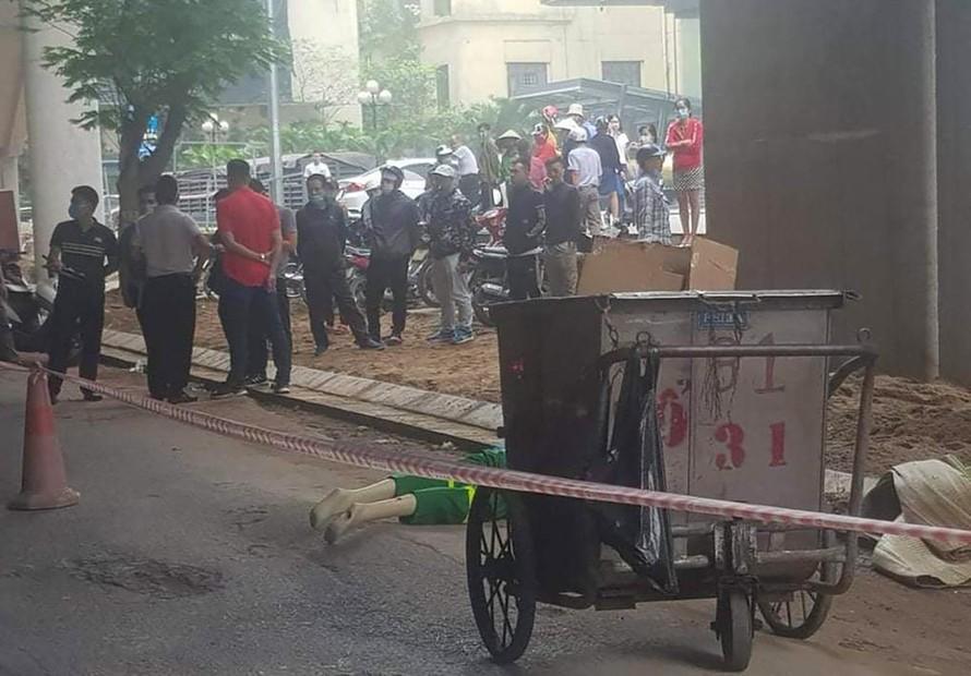Cảnh sát thực nghiệm hiện trường án mạng. Ảnh: VnExpress