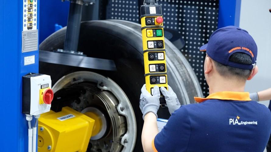 Trung tâm Dịch vụ Kỹ thuật hàng không trực thuộc Tập đoàn PIA cung cấp các dịch vụ bảo dưỡng, sửa chữa và bảo hành các thiết bị hàng không.