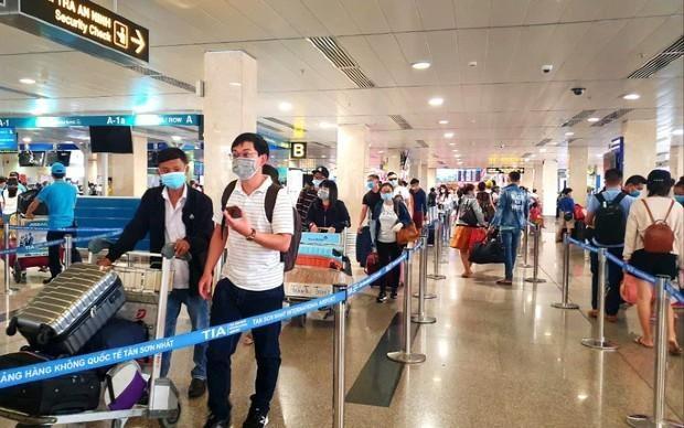 Đề xuất áp giá sàn vé máy bay gây hạn chế cạnh tranh, người tiêu dùng bị thiệt