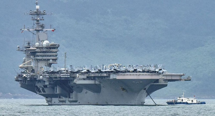 Tàu sân bay USS Theodore Roosevelt.