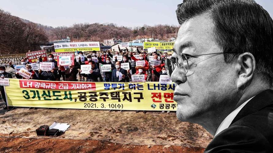 Người dân phản đối vụ việc đầu cơ đất của các nhân viên của Tập đoàn Nhà đất và Nhà ở Hàn Quốc do nhà nước điều hành. Vụ bê bối đang làm tổn hại đến sự ủng hộ đối với Tổng thống Hàn Quốc Moon Jae-in và đảng cầm quyền của ông. Ảnh: Nikkei Asia
