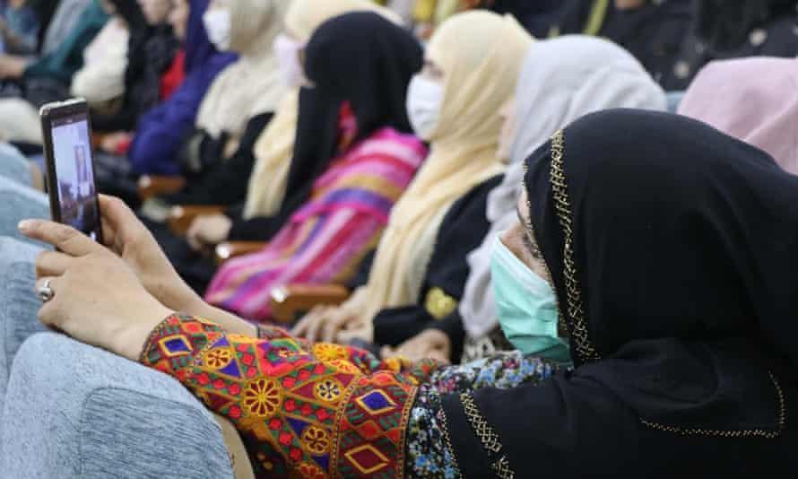 Phụ nữ Afghanistan lo sợ sự trở lại của Taliban