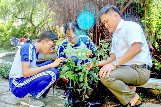 Học sinh lớp 11 sáng tạo phần mềm nhận diện thực vật