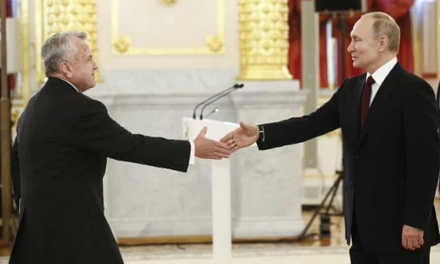 Đại sứ Mỹ rời khỏi Moscow