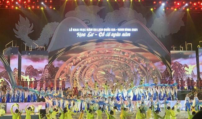 Màn trình diễn nghệ thuật tại Lễ khai mạc Năm Du lịch quốc gia 2021. Ảnh: Hà Nội Mới