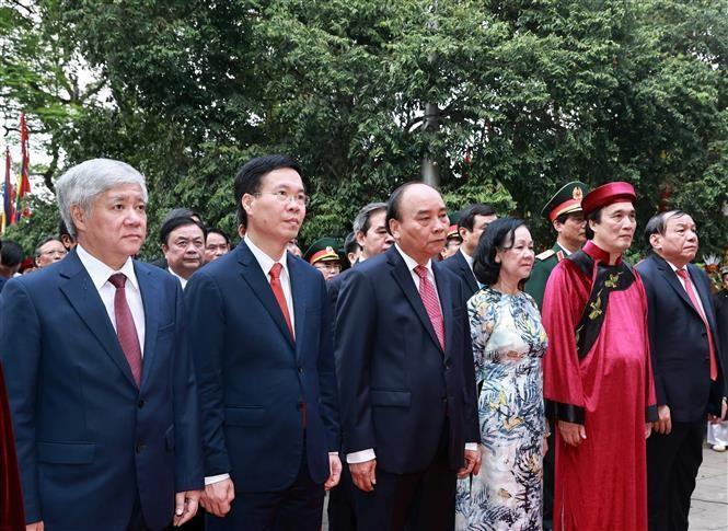 Chủ tịch nước Nguyễn Xuân Phúc dâng hương tại Lễ Giỗ Tổ Hùng Vương
