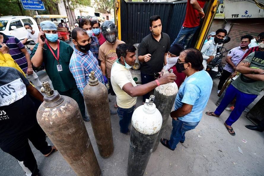 Cuộc chiến giành oxy y tế tại các bệnh viện ở Ấn Độ