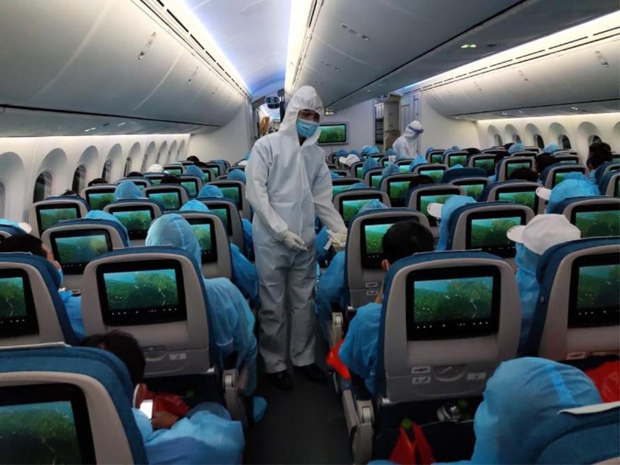 Quản lý chặt chẽ các chuyến bay đưa người nhập cảnh Việt Nam