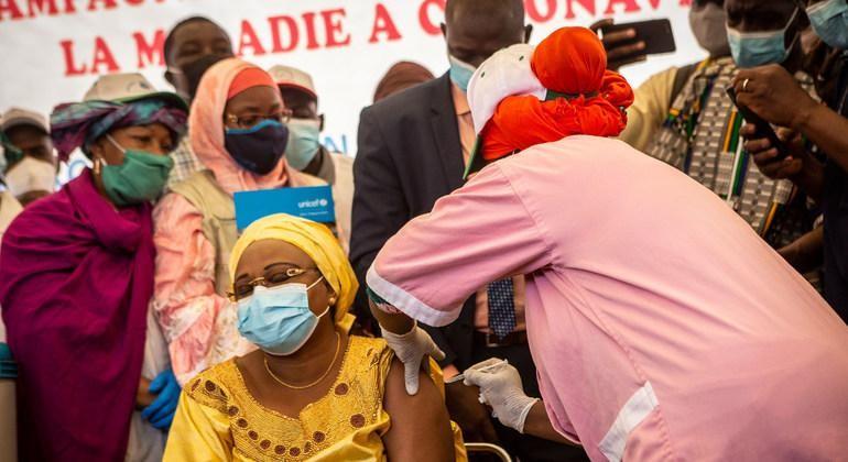 Lãnh đạo thế giới lên án tình trạng bất bình đẳng về vaccine