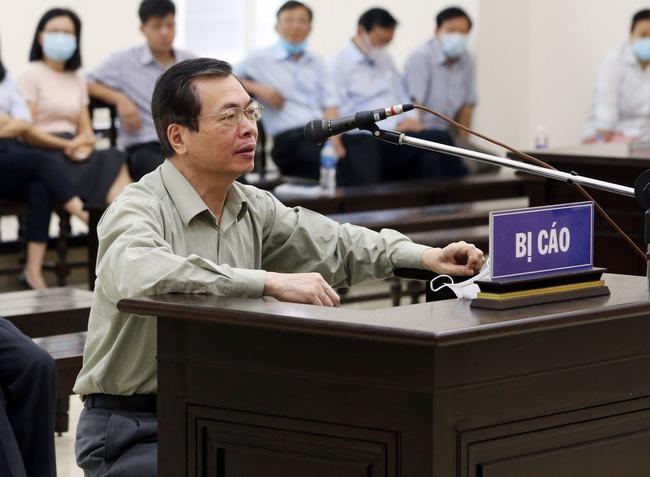 Ông Vũ Huy Hoàng bị đề nghị mức án 10-11 năm tù