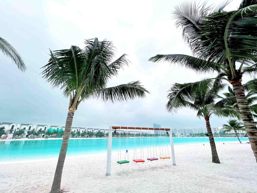 Biển hồ nước mặn nhân tạo lớn nhất Việt Nam và thứ 5 trên thế giới tại Vinhomes Ocean Park đang gấp rút chuẩn bị cho ngày khai trương