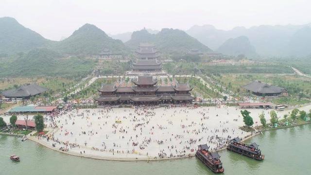 Hà Nam đóng cửa chùa Tam Chúc và các tụ điểm giải trí