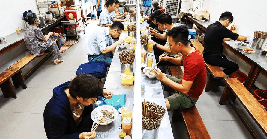 Công điện khẩn: Hà Nội đóng cửa các dịch vụ không thiết yếu